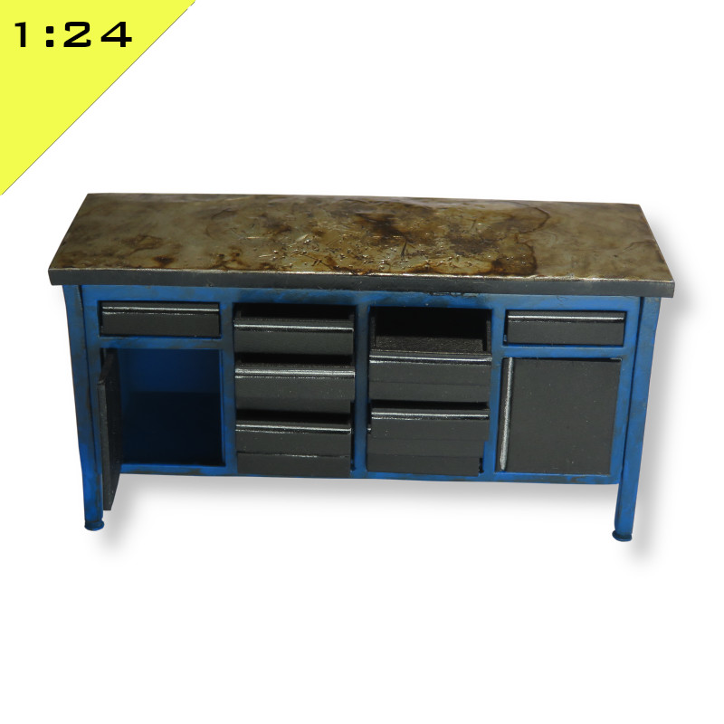 Workbench with Drawers